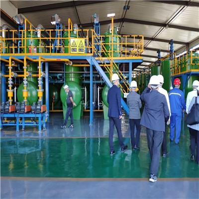 废轮胎炼油生产线 连续式炼油设备 旧轮胎裂解设备 废橡胶炼油设备