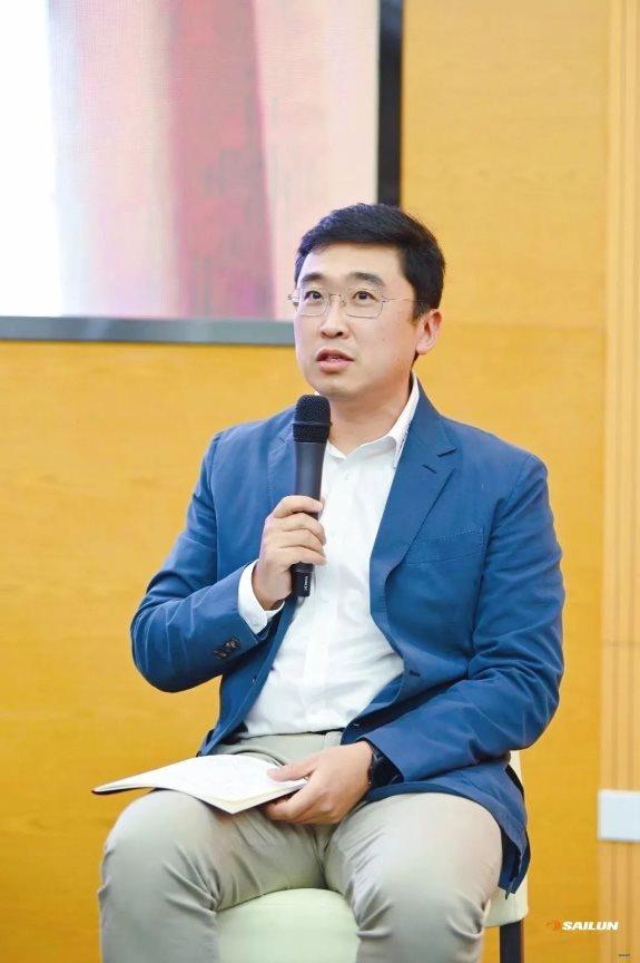 赛轮集团副总裁袁嵩讲话